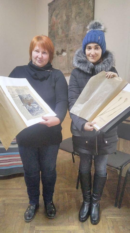 Студенти Кременецької академії досліджують в музеї унікальну колекцію гербаріїв