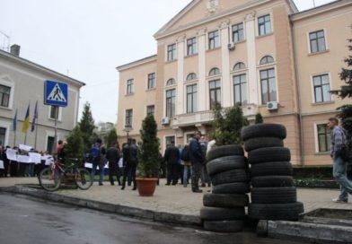 Кожен бізнесмен Тернополя знає, що без «відкату» або хабаря жодного питання у міськраді вирішити не можливо, – депутат