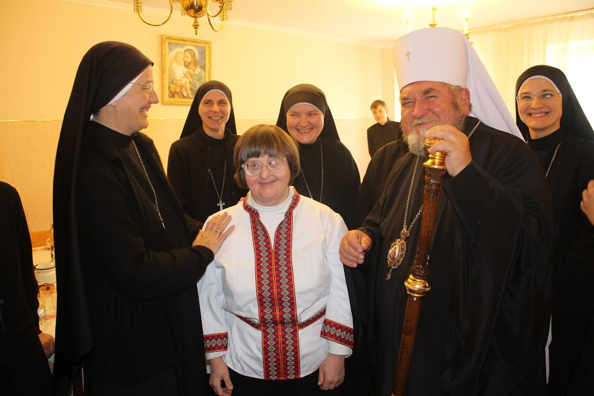 За найкращими у світі бабусями доглядають у  будинку Милосердя біля Тернополя