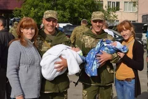 Четвірка тернопільських близнюків Сімчуків боронять Батьківщину