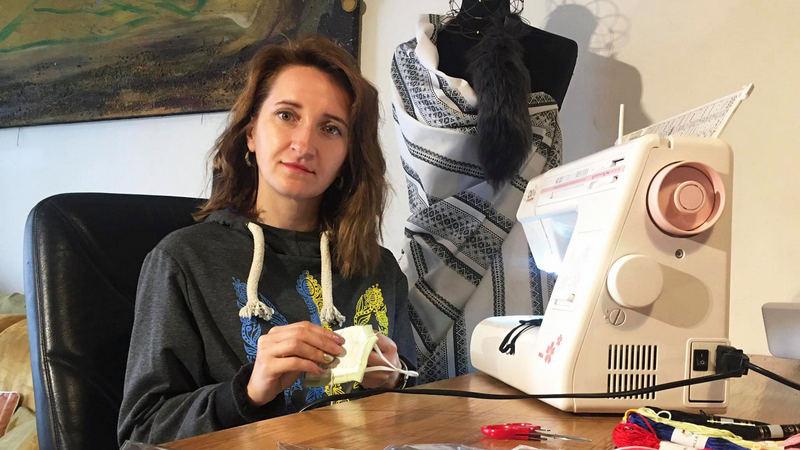 Ірина Сидоренко з Тернопільщини шиє одяг для українців в Італії і мріє підкорити італійський світ моди