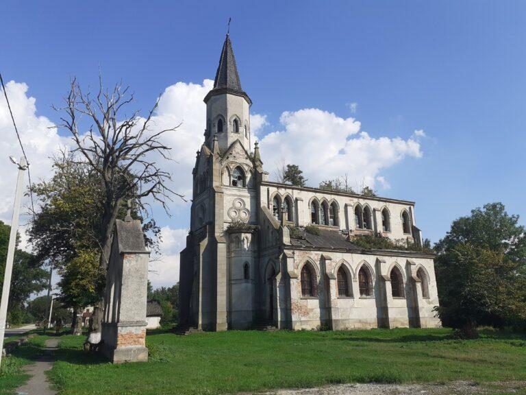 Костел у селі Сороцьке – пам'ятка, яку можна врятувати