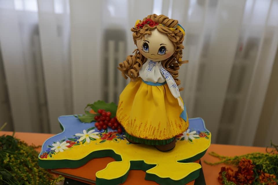Унікальні ляльки виготовляє Людмила Сушко з Тернополя